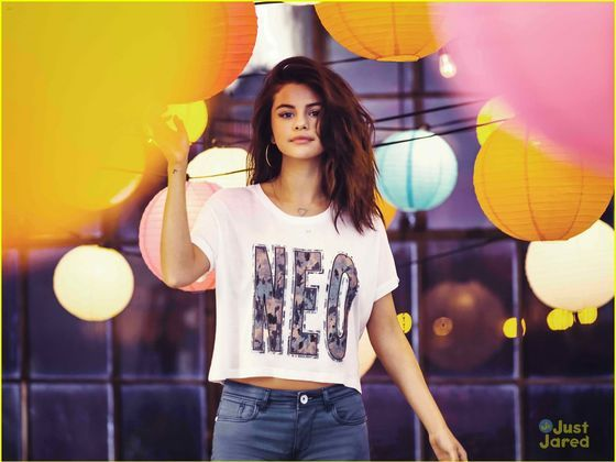 Do you know the lyrics of Selena's songs? Take this quiz and find out!!
