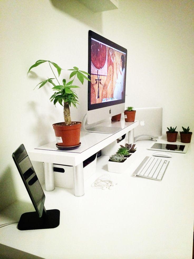 best 25 mac desk ideas on pinterest minimalist office minimalist desk and imac setup. Black Bedroom Furniture Sets. Home Design Ideas
