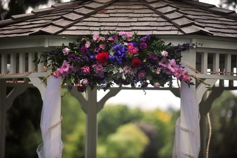 Google Image Result for http://www.easy-outdoor-decor.com/image-files/gazebo-wedding-decorations-3.jpg
