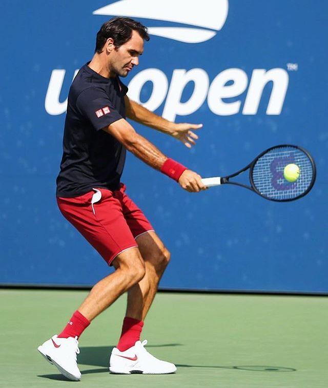 Roger Federer A L Entrainement U S Open 2018 17 Aout 2018 Roger Federer Tennis Tennis Racket
