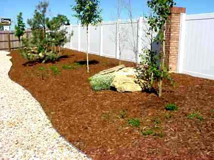 The Best Rocks vs Mulch Garden Ideas and Gardening Tips « Seekyt