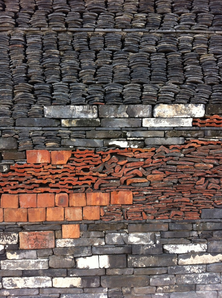 Ningbo Museum - details of wall, it is made of old tiles and bamboo _/\/\/\/\/\_