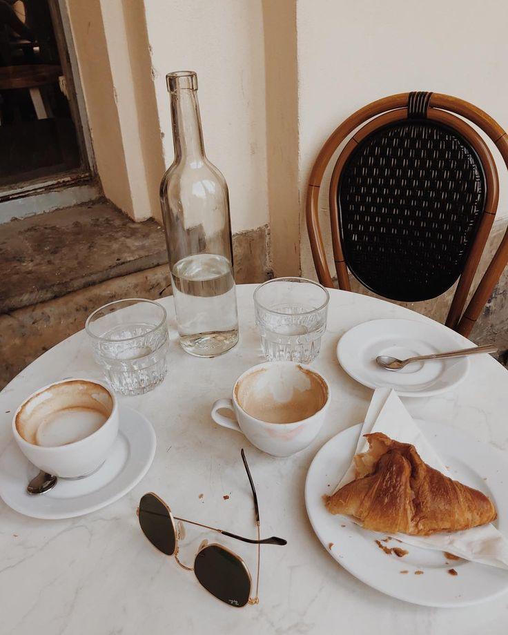 P I N T E R E S T Muriloguterres Coffee Photography Aesthetic Iced Grunge Tumblr Mornings Meetings Coffeemeets B Coffee Breakfast Food Coffee Break