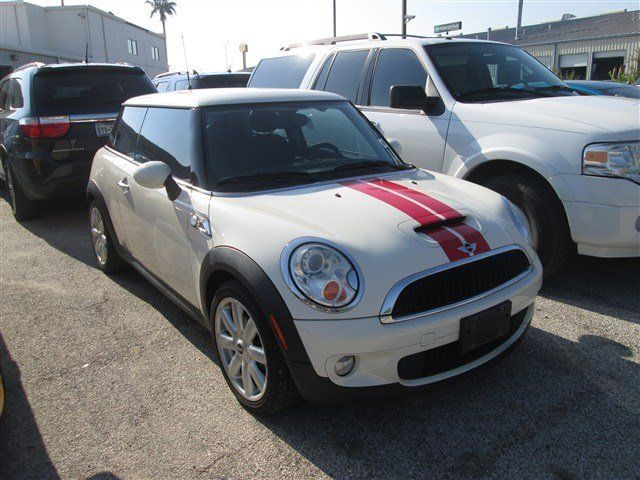 2007 MINI Cooper Hardtop  Pepper White For Sale in San Antonio, TX  Vin: WMWMF73557TT86193 - http://www.autonet.net/cardealers/texas/mccombsfordwest/cars-for-sale/2007-mini-cooper-hardtop-pepper-white-for-sale-in-san-antonio-tx-vin-wmwmf73557tt86193/