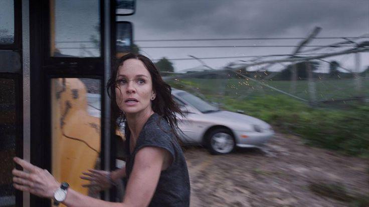 Tenetevi stretti DOMANI #IntoTheStorm è al cinema in anteprima!