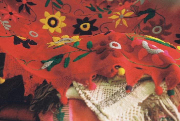 manta santiagueña, bastante antigua. Regalo de su madre (hecha con sus propias manitas)