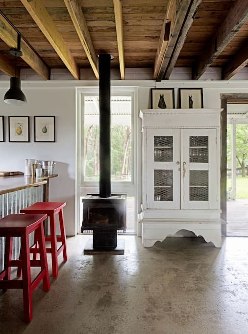 House in Milton, Australia. #1 by Australian Traveller's 'Top 100 Places You Haven't Been to Yet'. Also featured in Country Style and Vogue.  Features four bedrooms, two bathrooms (one outside off a covered balcony and heated in winter months), timber floors, high ceilings, ...