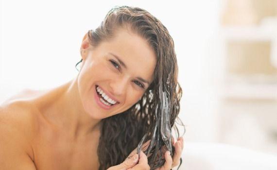 Trattamento e cura di capelli secchi