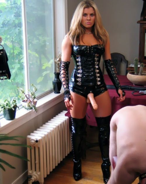 "xrayeyesblue: ""Re-blogs and original posts exploring the kinks lurking in The Hidden Recesses of My Mind This blog is maintained by Princess Clover's slave r """