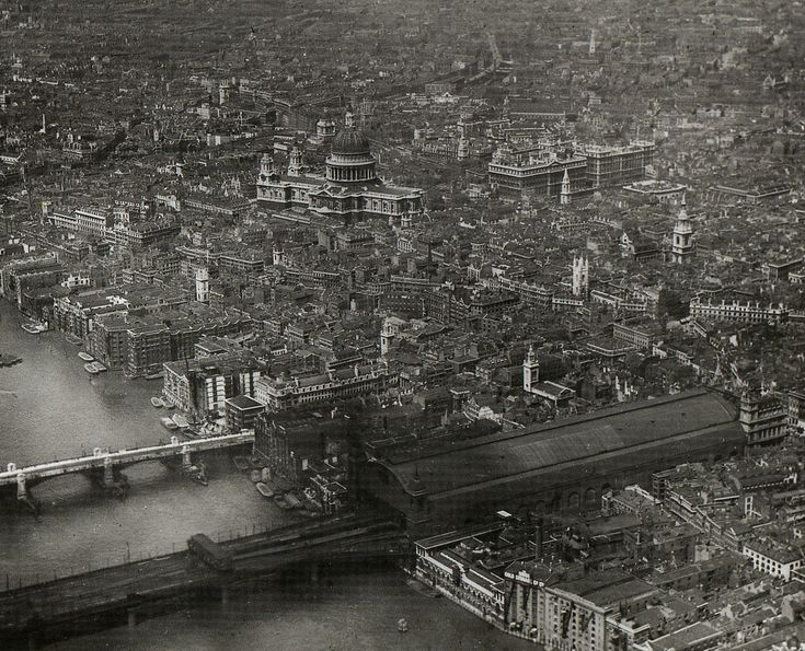 The City of London before the Luftwaffe and modern architecture ruined it