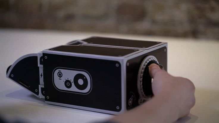 SMARTPHONE PROJECTOR - INSTRUCTIONS