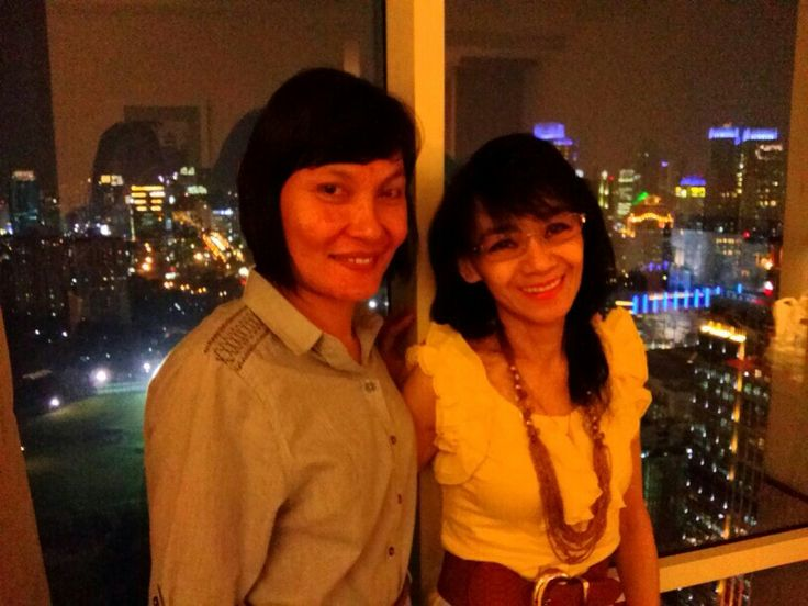 w Reifa at 30th. floor