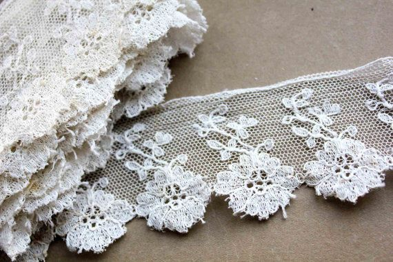 French vintage lace trim - roses scalloped trimming