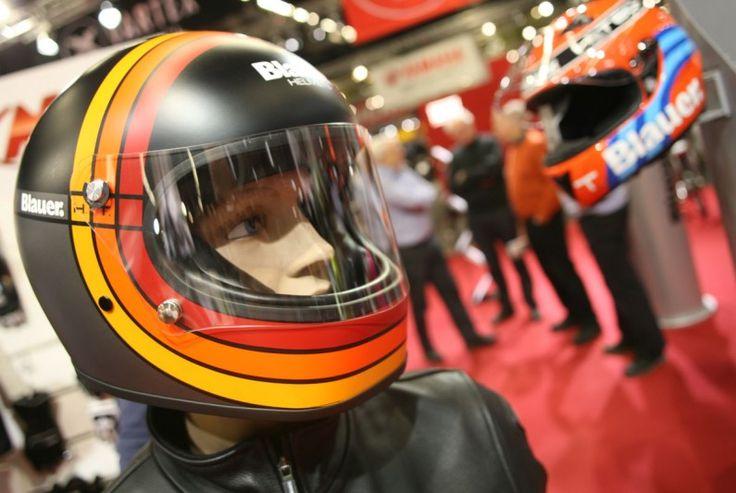 A Blauer acaba de lançar a linha de capacetes 80's para satisfazer os amantes das linhas retro indo assim de encontro com quem utiliza uma mota clássica ou mesmo uma Café Racer.  #Blauer #80s
