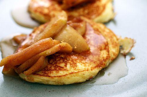 Lemon Ricotta Pancakes with Sauteed Apples by Gourmet via smittenkitchen #Pancakes #Lemon_Ricotta_Pancakes #smittenkitchen #gourmet