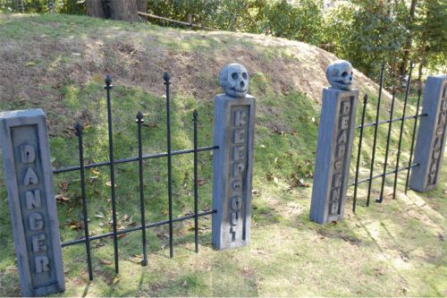 How to make spooky fence posts, gates, for a haunted house, cemetery or graveyard scene