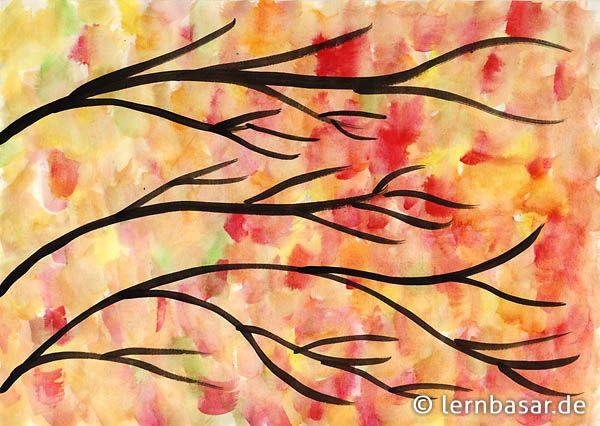Goldene Herbstbäume mit buntem Laub