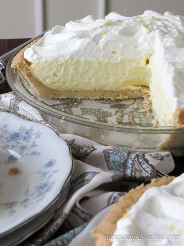 Low Carb Lemon Curd Pie is an easy Summer favorite in my house. | low carb, gluten-free, paleo, thm | lowcarbmaven.com