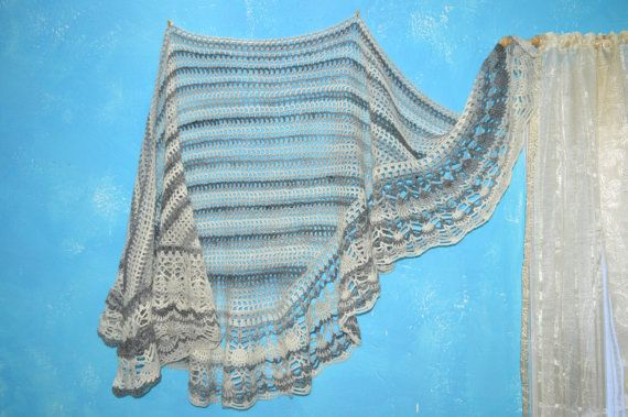 Luxury crochet shawl in vintage style. Made with white and gray blended wool mix.  (scheduled via http://www.tailwindapp.com?utm_source=pinterest&utm_medium=twpin&utm_content=post131355233&utm_campaign=scheduler_attribution)