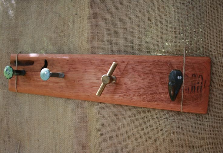 Pallet wood coathooks