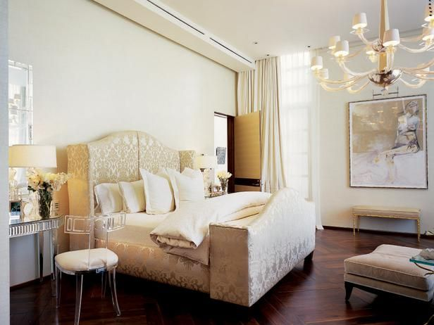 Headboards That Make the Room by Jeanine Hays on @HGTV.Contemporary Bedrooms, Jamie Herzling, Design Ideas, Bedrooms Design, White Bedrooms, Master Bedrooms, Bedrooms Decor Ideas, Bedrooms Ideas, Beautiful Bedrooms