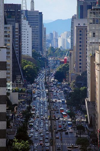 São Paulo - Avenida Paulista by Eli K Hayasaka, via Flickr