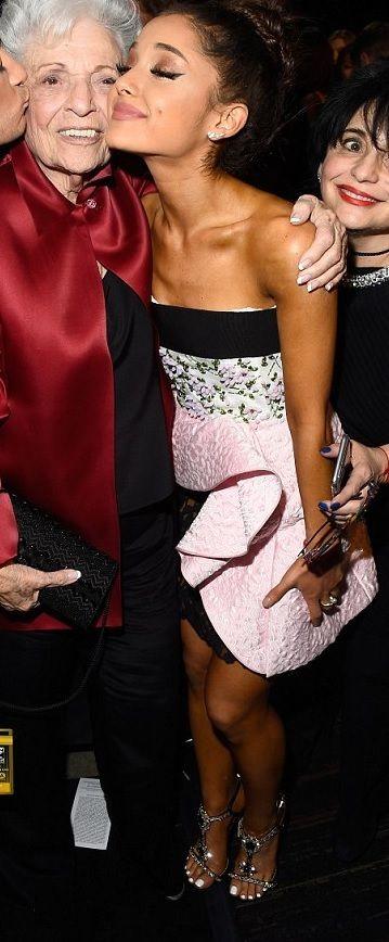 Ariana Grande's Feet << wikiFeet