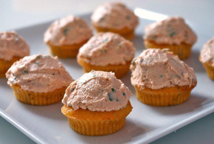 Cupcakes tout tomate glacage fromage frais tomate Atelier dété   Cupcakes tout tomate & Îles flottantes au concombre et au chèvre