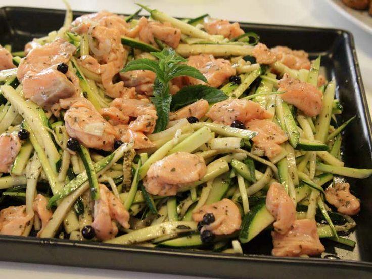 Ricetta Insalata salmone e zucchine