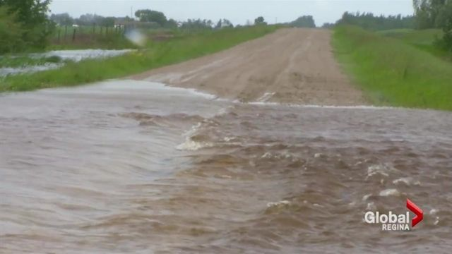 Flooding, highway closures as heavy rain pounds Prairies | Globalnews.ca