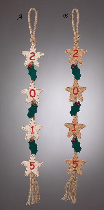 www.mpomponieres.gr Χριστουγεννιάτικη γιρλάντα με αστεράκια από λινάτσα τα οποία έχουν κεντημένο το 2015 .Είναι διακοσμημένες με τσόχινα γκι και χάντρες. Οι διαστάσεις της είναι 68 Χ 8 cm . Όλα τα χριστουγεννιάτικα προϊόντα μας είναι χειροποίητα ελληνικής κατασκευής http://www.mpomponieres.gr/xristougienatika/girlanta-xristougenon-me-asterakia-apo-linatsa.html #burlap #christmas #ornament #felt #χριστουγεννιατικα #στολιδια #stolidia #xristougenniatika