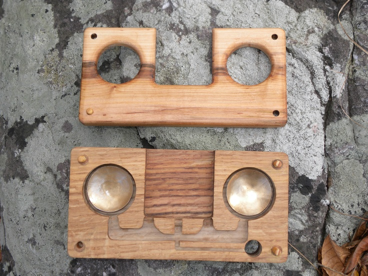 iPhone resonator in maple