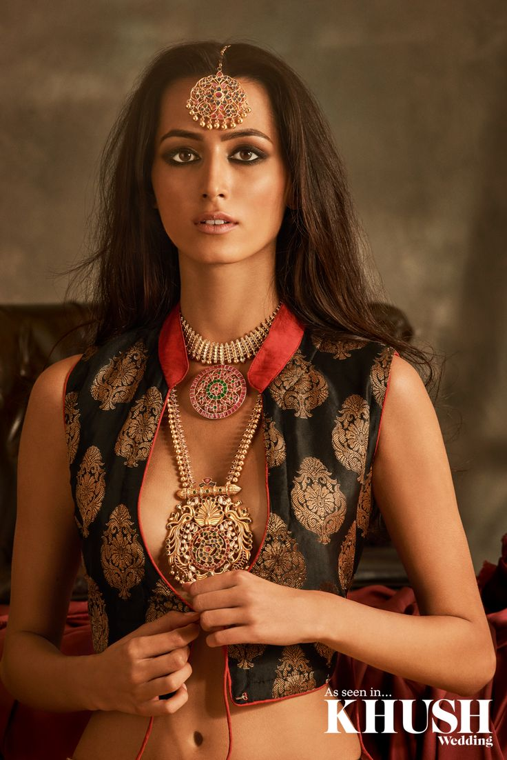 Let the jewellery do all the talking! Red Dot Jewels create the most iconic pieces for your Big Day  201 Marsh Rd, Pinner, Greater London HA5 5NE +44 (0)208 869 9920 +44 (0)7932 027 777 www.reddotjewels.com  Hair & Makeup: Gini Bhogal Outfits: Aashni & Co. Official