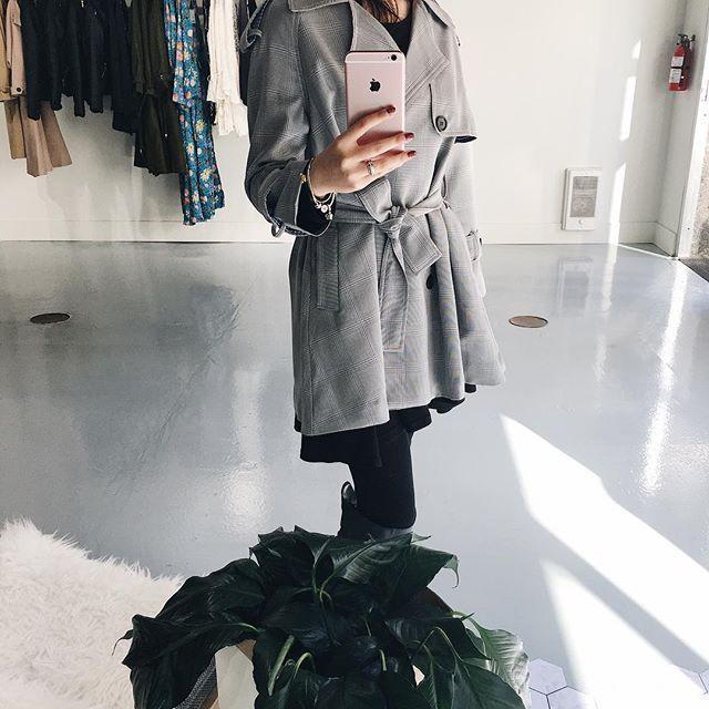 Gently flared, tie belt and side pockets 😍👌  .  .  .  .  .  .  .  #unicorniostudio #newarrivals #fashionlovers #fashionboutique #onlineshopping #supportlocal #fashionblogger #ukfashion #canadianfashion #ootd #ootdfashion #instafashion #yyt #storeopening #lookbook #outfitselfie #falllooks