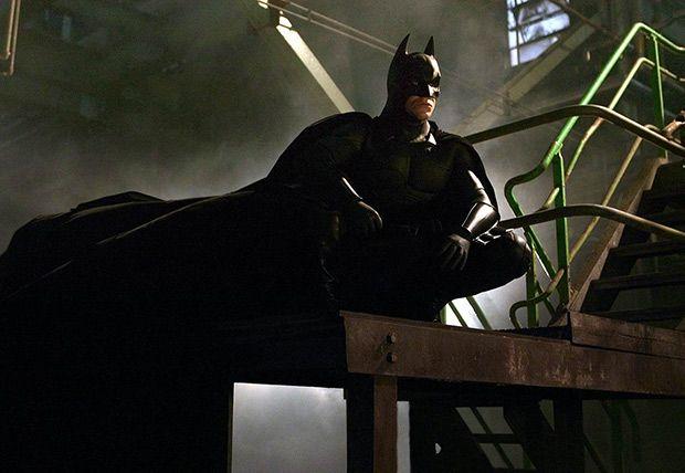Batman inicia (Dir. Christopher Nolan) Un comienzo desde cero en la historia del hombre murciélago, muy diferente a lo que habíamos visto.