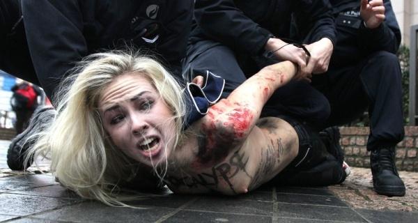Somos Femen Las Desnudas Tropas De Choque Del Feminismo Inna