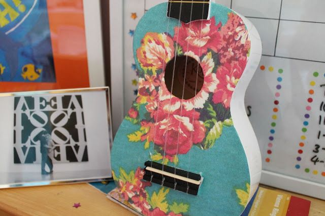 Painted ukulele--- could decorate an old guitar for decoration