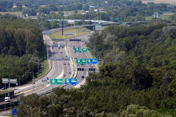 Do roku 2050 je v pláne postupne vyradiť z prevádzky v rámci mesta vozidlá na konvenčné palivá.