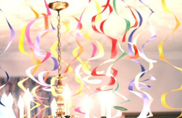 Spiral Streamers – DIY Party Decor, another one streamer per sheet of paper. We can do this people! ;-)