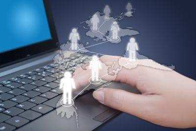 Sei hai un'azienda o stai per aprirne una ti consiglio di leggere come internet potrebbe cambiarne le sorti  Da quando, negli anni '90, l'uso della rete è divenuto massivo con la nascita del World Wide Web, Internet ha stravolto completamente il modo di fare business da parte delle impres