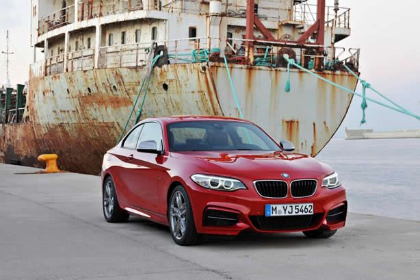 2014 BMW 2-Series Coupe revealed