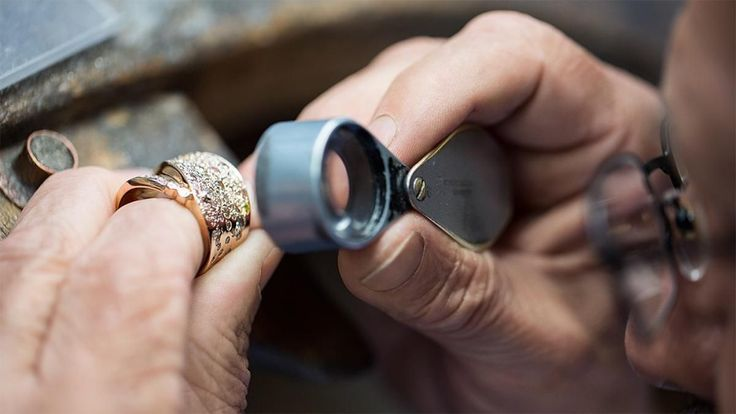Welcome To Second Hand Gold Jewellery Buyer Sell Your Gold And Silver Before Rates Go Down. We Buy Gold, Silver And Diamond Old And Broken Jewellery Call Now At +91-9999821722 ,+91-9999333245 http://secondhandgoldjewellerybuyer.com/ Second Hand Gold Jewellery Buyer is a team of certified professionals with extensive experience in the in the field of buying jewellery and related products. Assessing gold is not an easy task and we do acknowledge this fact very well. All our staff has undergone…