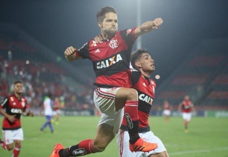 O treinador Tite convocou a Seleção Brasileira para disputar os amistosos contra Japão e Inglaterra, em novembro deste ano. A lista com 25 nomes foi anunciada nesta sexta-feira, na sede da CBF, n