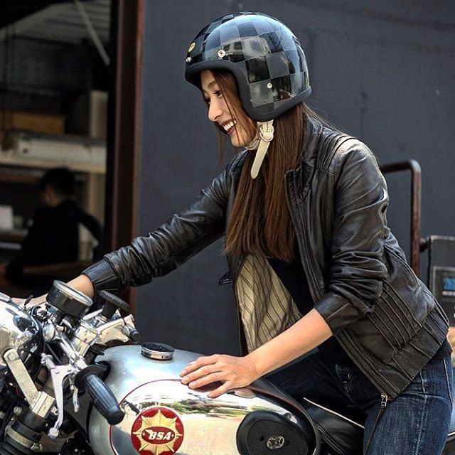 Whole Checkers 500TX helmet. Black & Gray checker. #caferacergirl #motogirl #バイク女子 #ハーレー女子 #カフェレーサー ...
