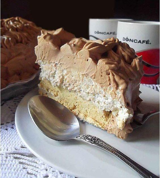 Penasta torta od kafe :)  http://www.najboljamamanasvetu.com/wp-content/uploads/2013/06/Fantasticni-deserti-sa-kafom2.pdf