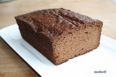 Kaneelcake van amandelmeel (glutenvrij)  Al heel lang wilde ik dit recept plaatsen, maar het lukte mij nooit om foto's te maken. Deze cake is altijd op voordat ik het weet. Hij wordt hier gegeten, als