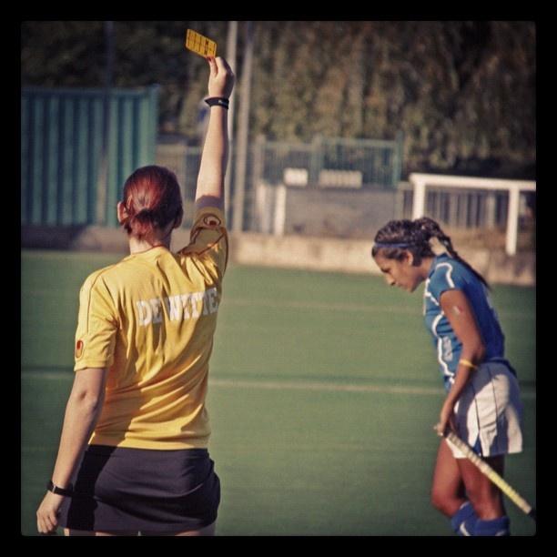 #fockeypic #fieldhockey @fockeylove #sport #game #italy #referee #umpire #yelowcard #