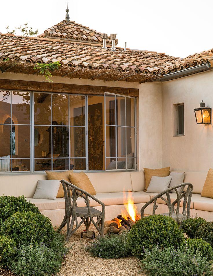 dozen dreamy outdoor living spaces