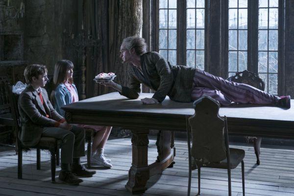 Netflix divulga mais cenas de Desventuras em Série - http://popseries.com.br/2016/12/07/netflix-divulga-mais-cenas-de-desventuras-em-serie/