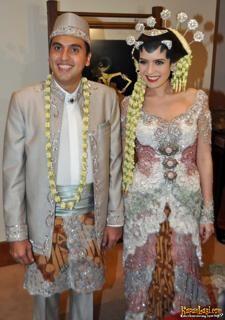 Carissa Putri | Kebaya Pengantin Para Bintang - Yahoo She
